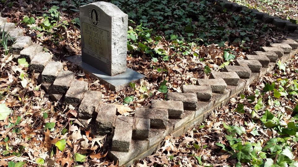 Decorative brick pattern outling burial plot C Stahl