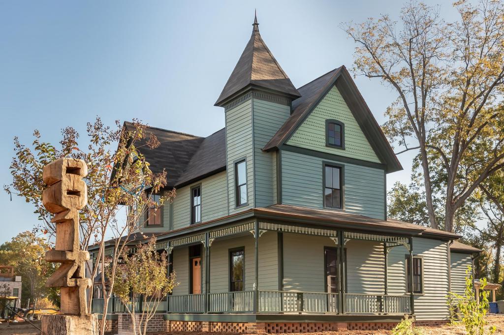 Graves House Restored 2(1)